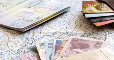 Банковская карта или наличные в путешествие