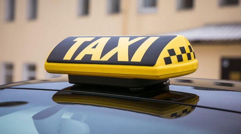 Иностранцам запретят работать в такси