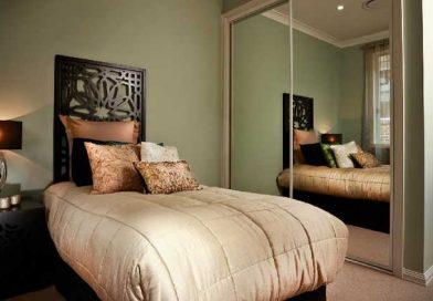 Какие предметы лучше убрать из спальни?