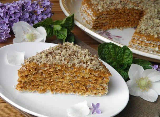 Вафельный торт со сгущенкой и шоколадом