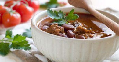 Суп на свиных рёбрышках с фасолью