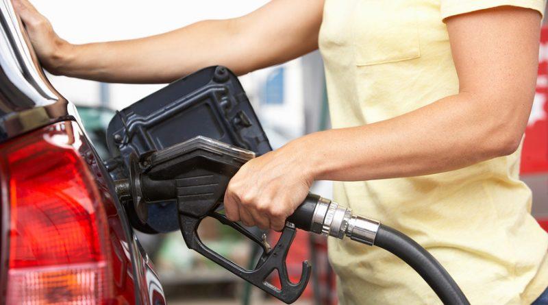 """Можно ли заливать полный бак бензина — заблуждения """"экспертов"""""""