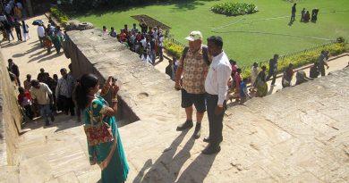 Почему в Индии любят фотографироваться с туристами?