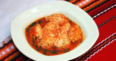 Рыбные кнели в томатном соусе
