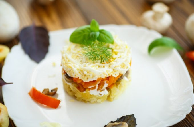 Нежнейший салат «Шуба с курицей»