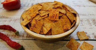 Домашние чипсы из лаваша с паприкой