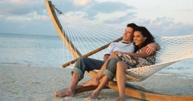 В чем секрет популярности курортных романов у туристок?
