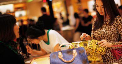 Где в Китае туристы могут купить копии брендовой одежды
