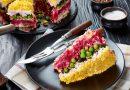 Праздничный салат с курицей и свеклой