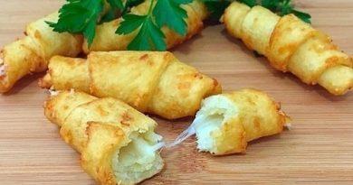 Картофельные рогалики с сыром