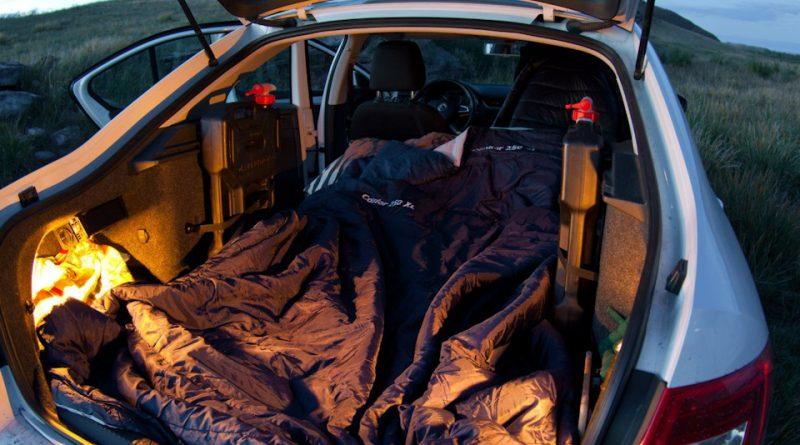 Почему спать в машине с включенным двигателем - плохая идея?