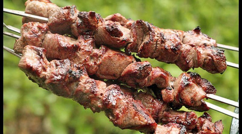 Фантастически мягкое мясо на шашлыки за полчаса.