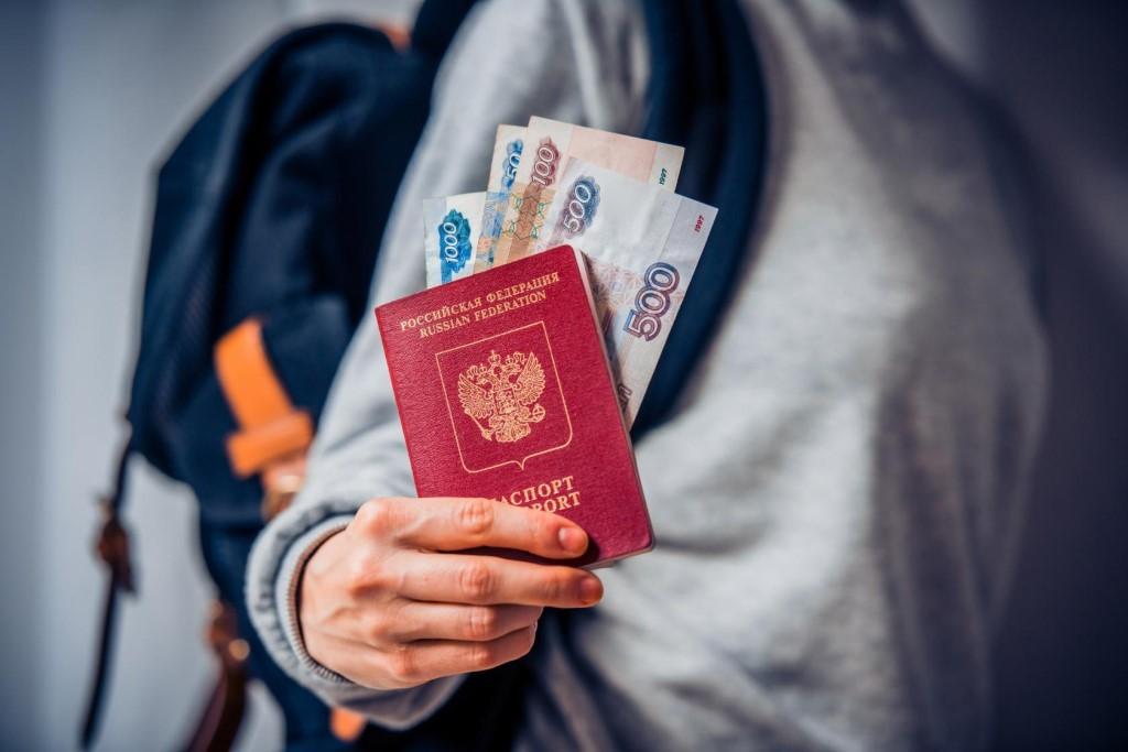 можно ли получить загранпаспорт с долгами