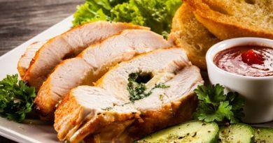 Запеченное филе с сыром и зеленью к ужину
