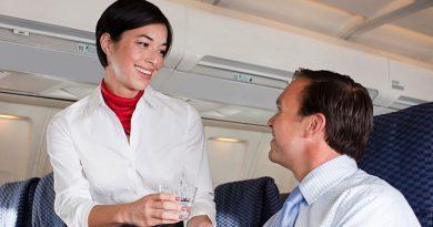 Как часто стюардессы влюбляются в пассажиров?