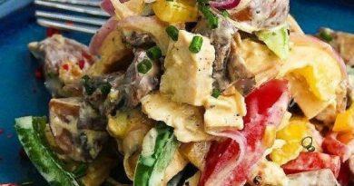 Вкуснейший салат с курицей