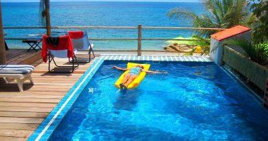Отель с бассейном: что нужно знать, прежде чем окунуться в голубую воду
