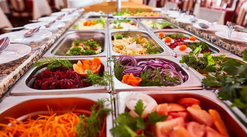 Каких продуктов лучше избегать на шведском столе в Турции
