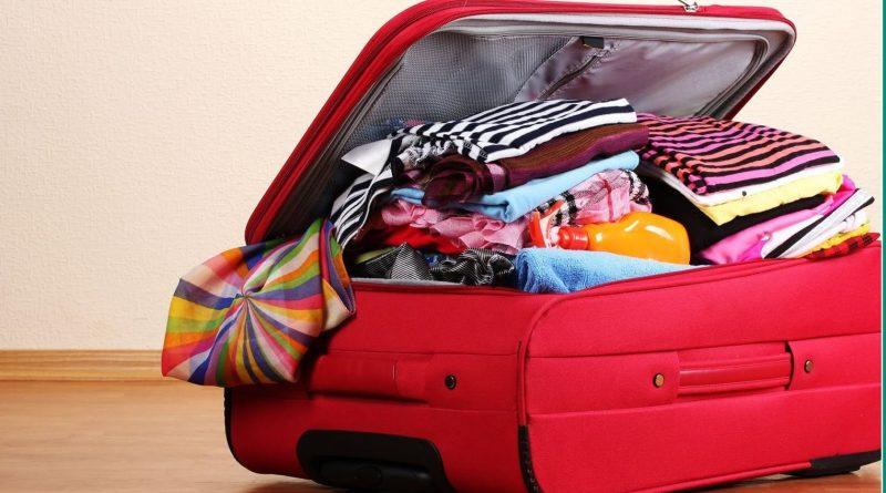 Как упаковать вещи всей семьи в один большой чемодан