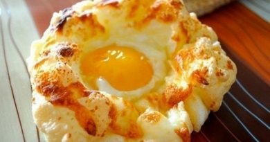 Яйца в пуховом гнезде к завтраку
