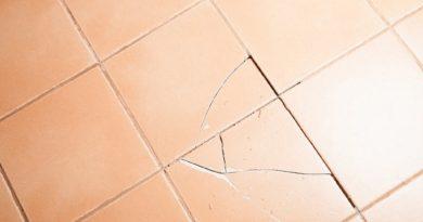 Трещины на плитке