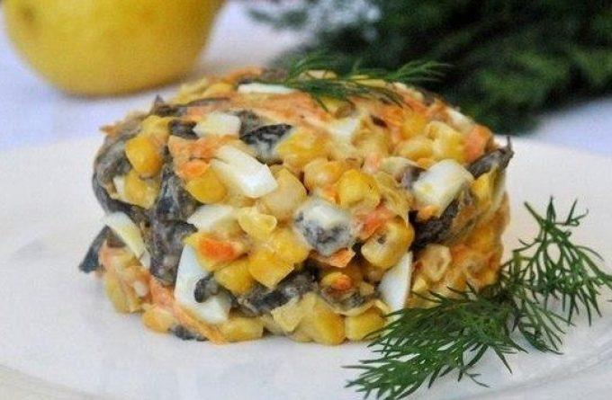 Диетический десерт: запеченные яблоки с медом и имбирем