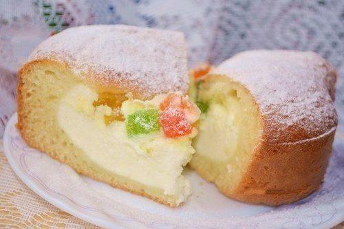 Нежный пирог с творожной начинкой и цукатами
