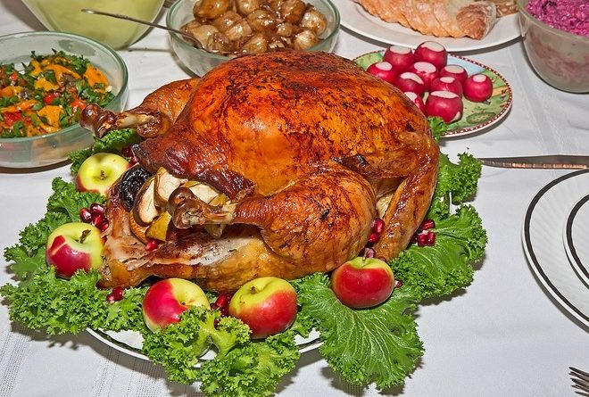 Запекаем в духовке птицу с яблоками