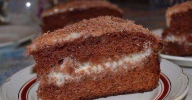 Шоколадно-сметанный торт