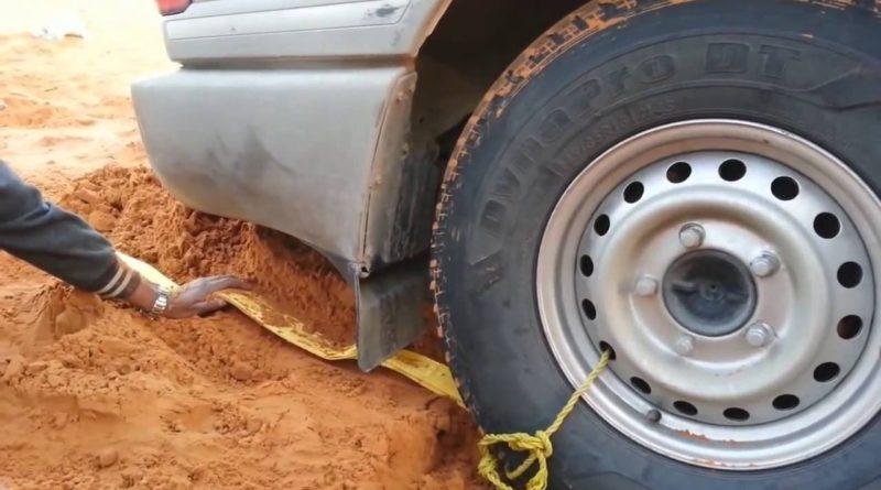 Как выбраться самостоятельно из ямы, в которой застряло колесо