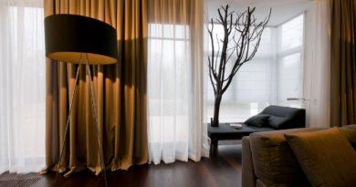 Как правильно подобрать занавески в квартиру?