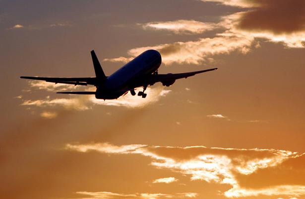 Пассажир рейса Париж— Марракеш пытался открыть дверь вовремя полёта