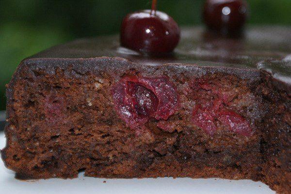 Вишнево-шоколадный кекс