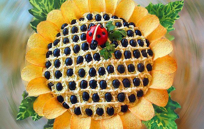 Салат «Цветок подсолнуха»