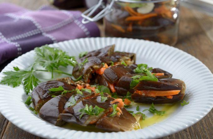 Рецепт соленых баклажанов, фаршированных морковью по-корейски