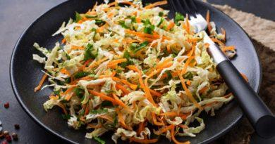Простой и вкусный салат из пекинской капусты с морковью по-корейски